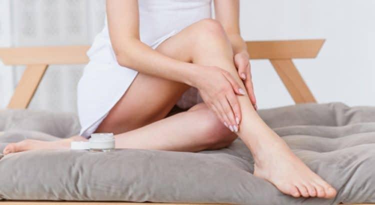 como deixar a pele hidratada e macia com cremes para as pernas